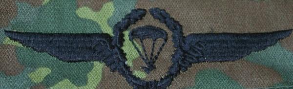 FB Fallschirmspringerabzeichen, flecktarn - schwarz